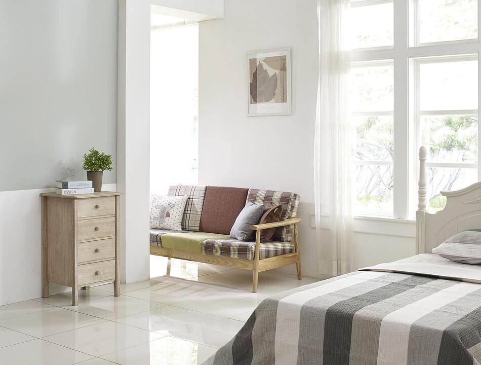 wysokiej jakości okna z drewna sosnowego
