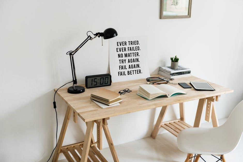designerskie biurko dla młodzieży