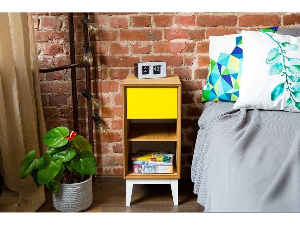 kolorowa szafka nocna sypialniana