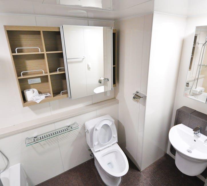 stylowa podłoga w łazience